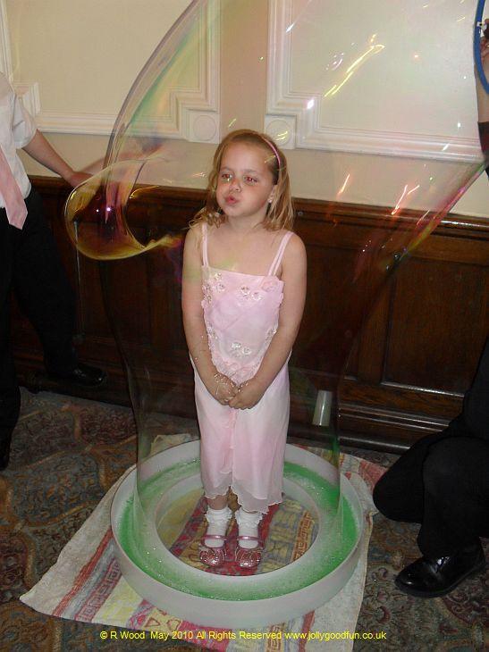 Giant Bubbles 7