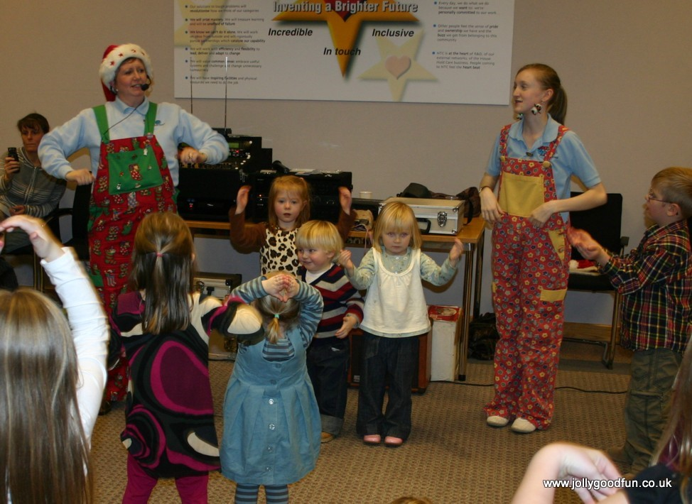 christmas_party_dancing-2