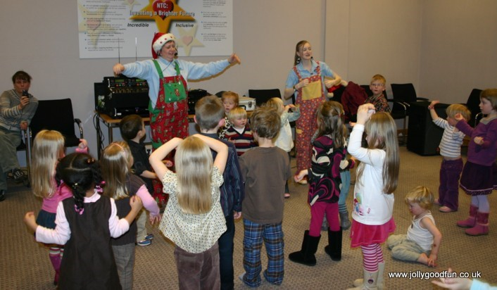 christmas_party_dancing-3