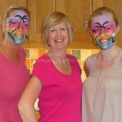 Students on Hazel's Face Painting Course