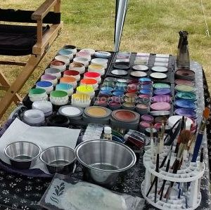Hazel's Face Painting Equipment